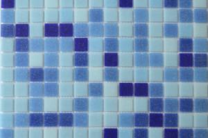 Мозаика стеклянная эконом (на сетке) 20x20 (327х327х4) MC128
