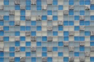 Мозаика стекло с камнем (на сетке) 15*15  (300х300х6) GS083