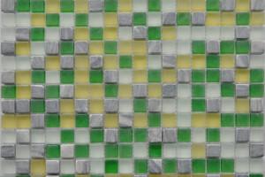 Мозаика стекло с камнем (на сетке) 15*15  (300х300х6) GS084