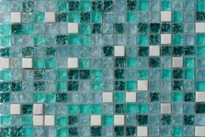 Мозаика стекло с камнем (на сетке) 15*15  (300х300х6) GS095B