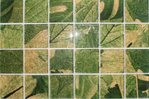 Мозаика стеклянная фольгированная  (на сетке) 48*48 (300*300*4) PM4001